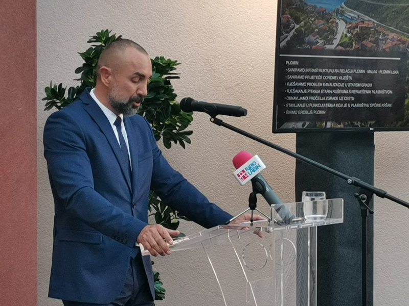 općinski načelnik Roman Carić održao je prigodni govor[176975]